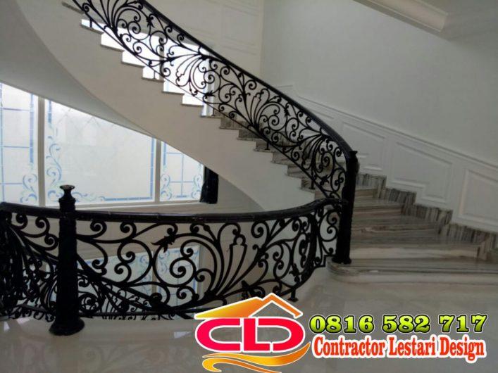 railing tangga klasik,railing tangga mewah,voit mewah,voit besi,voit besi tempa